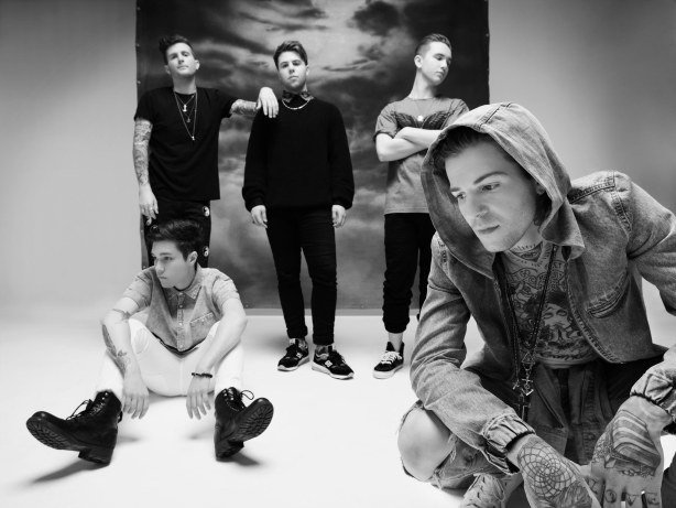 04_The_Neighbourhood_Group_121